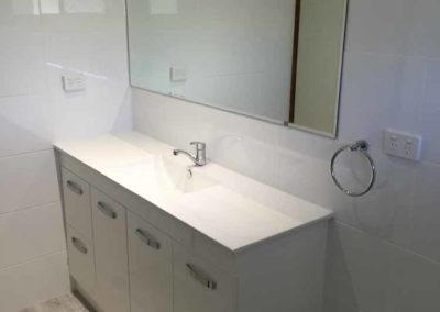 1500mm vanity with bevelled edge mirror