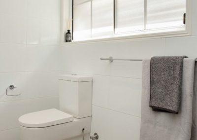 Bolan Street bathroom 2